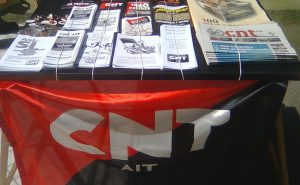Mesa informativa CNT en la Felguera